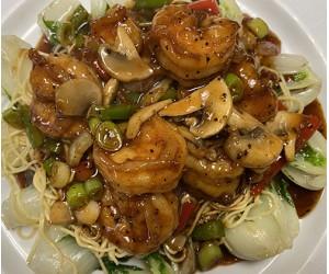 Shrimp over Baby Bak Choy, Noodles w.Black Pepper Sauce